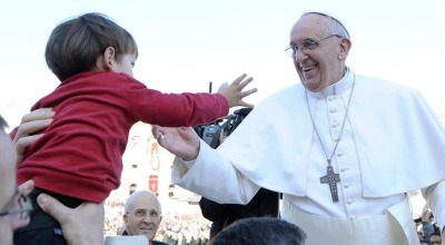 pope-francis-child