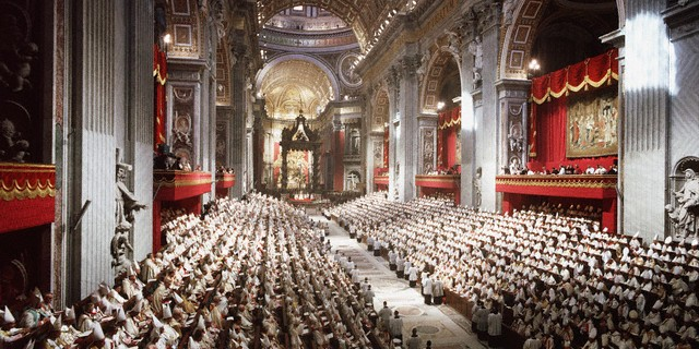 September 1962, Vatican City --- A meeting of Pope John XXIII's ecumenical council in St. Peter's Basilica, Vatican City.  This meeting of worldwide Catholic clergy was popularly known as the Second Vatican Council. --- Image by © David Lees/CORBIS