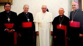 Integrantes de la Directiva de la Conferencia Episcopal Venezolana con el Papa Francisco - DSC03 OCT01