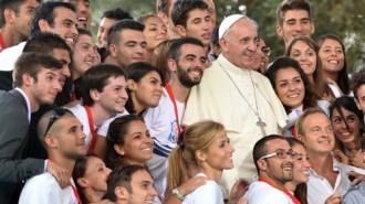 Papa-Francesco-incontra-il-Movimento-Eucaristico-Giovanile-500x281