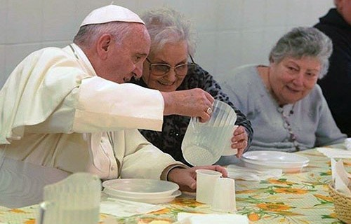 pope-francis-with-the-poor-italy